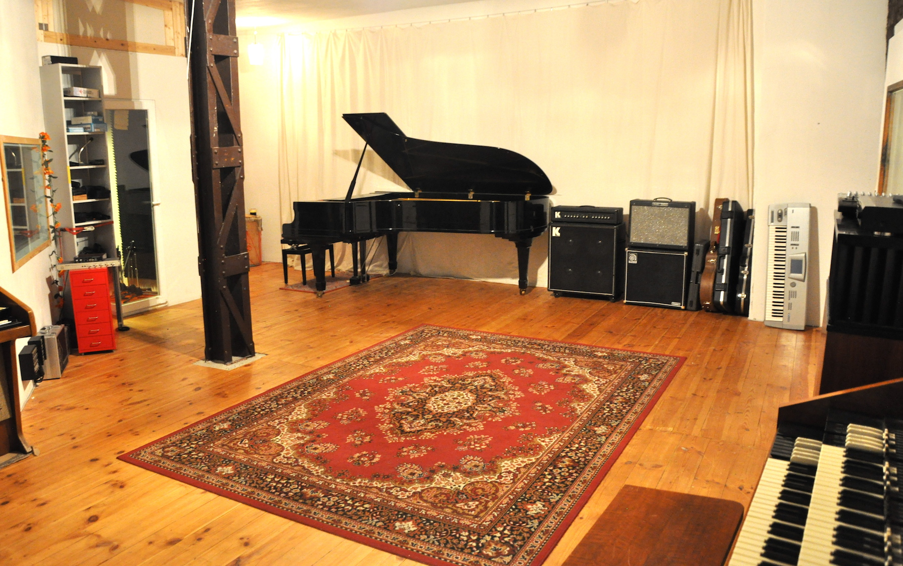 Recording studio carpet floor lets see carpet new design for Recording studio flooring